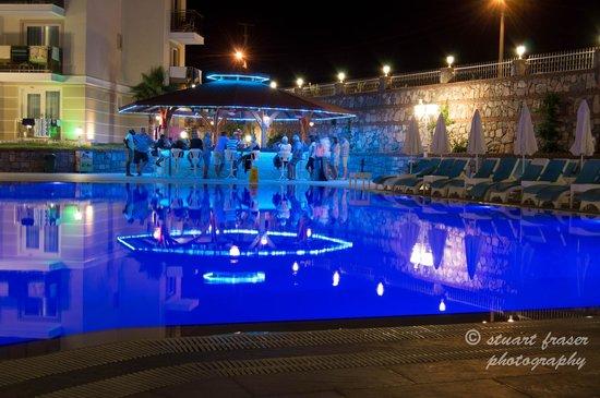 Marcan Resort Hotel: pool bar