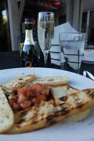 Mutu's Italian Kitchen: Apero