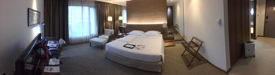 Dusit Princess Srinakarin: Very comfortable and good size room.
