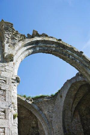 Hotel St. Clemens: Church ruins