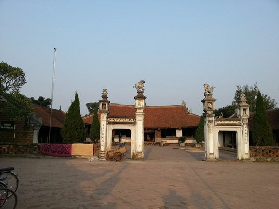 Duong Lam Ancient Village: 향교