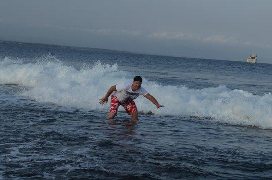 Sanur Beach: ловим волну...