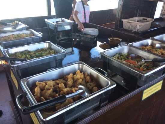 Siam Safari: lunch on the junk cruise