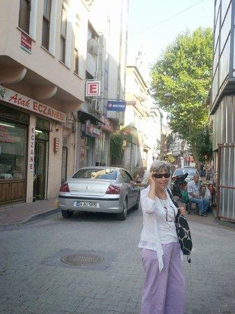 Lotus Hotel Istanbul: La rue où l'hôtel est situé