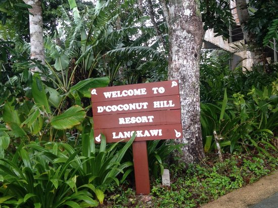 D'Coconut Hill Resort: A Welcome sign