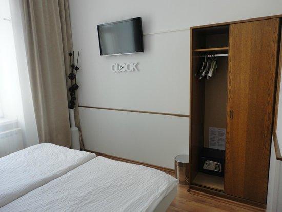 KIBI rooms: Hanitación con tv