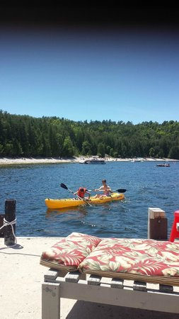 Little Sister Resort: Great kayaking