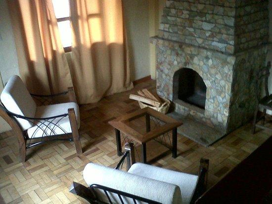 Tuki Llajta Pueblo Bonito Lodge: Sala de estar en la habitación