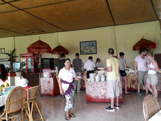 Lereng Agung : Inside the Restaurant with the other Tourist and a Waitress as well