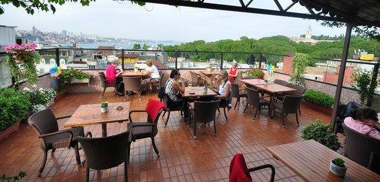 Erboy Hotel: İstanbul Terrace Pub