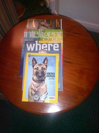 Leonardo Hotel London Heathrow Airport: Magazines