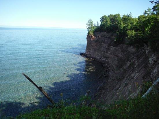 More cliffs at Grand Island