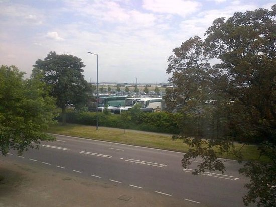 Leonardo Hotel London Heathrow Airport: View from room