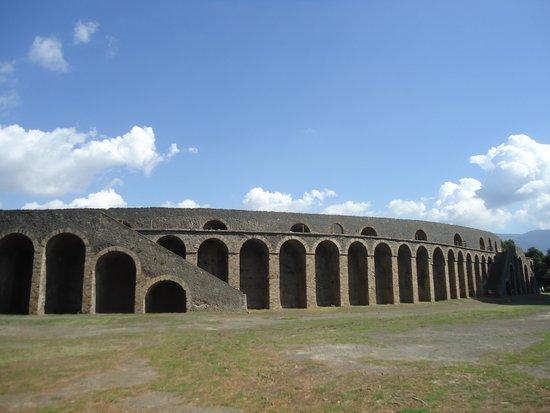 Scavi di Pompei: Амфитеатр