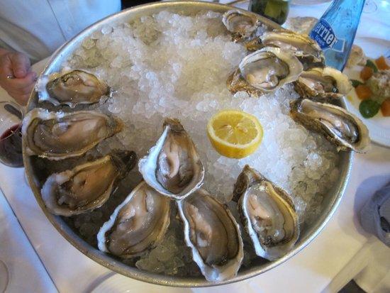 Brasserie Bofinger : Oysters for starter