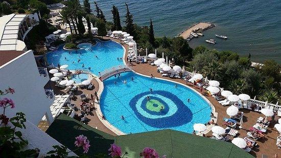 Labranda Ephesus Princess : One of two pools.