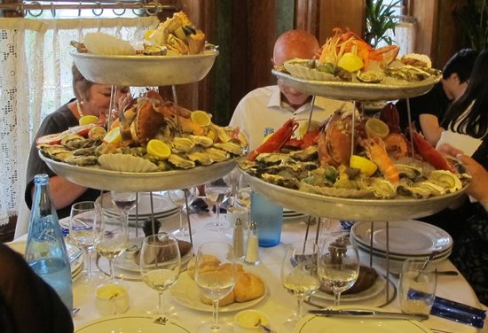 Brasserie Bofinger: Selection of seafood...