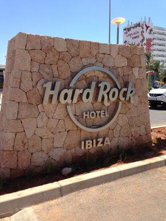 Hard Rock Hotel Ibiza: Sign