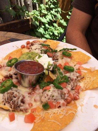 La Cueva Cafe: Beef nachos. Delicious!