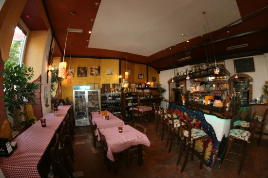 La Bodega - Mediterranes Bistro - Weinbar