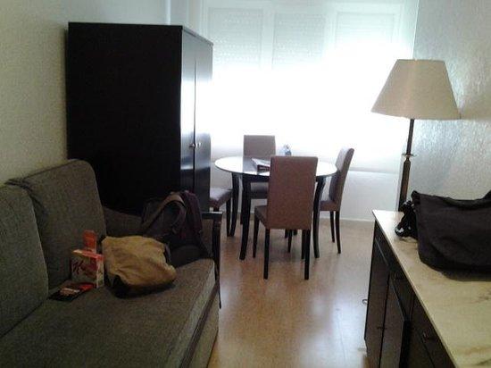 Hotel Apartamentos Don Carlos: longe dining area