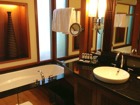 Sofitel Singapore Sentosa Resort & Spa: Bathroom