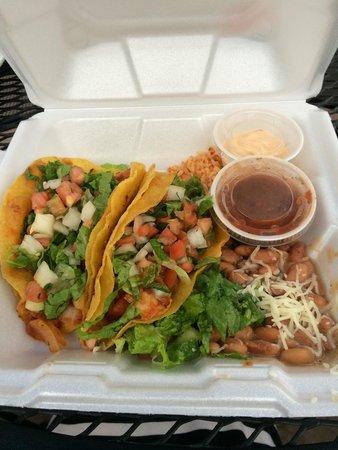 La Cueva Cafe: Chipotle shrimp tacos