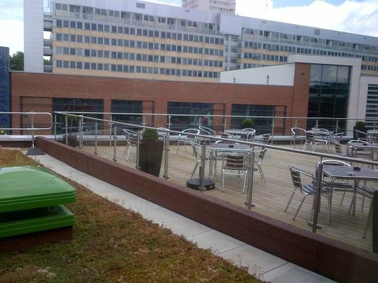 Premier Inn London Wandsworth Hotel: View from reception