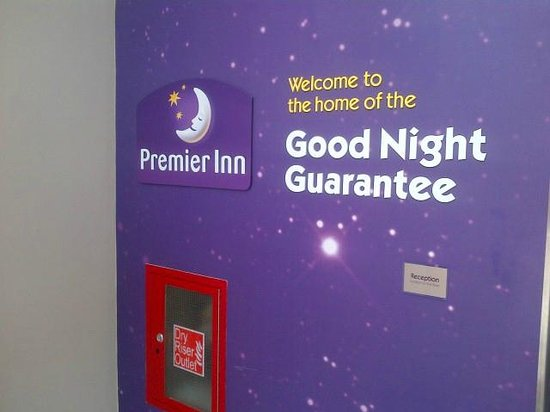 Premier Inn London Wandsworth Hotel: Foyer