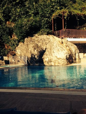 Dilhan Hotel: pool