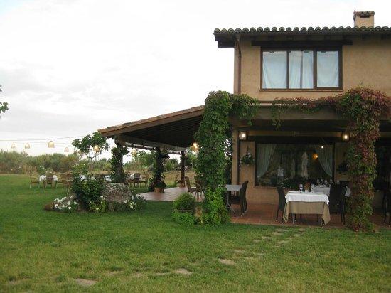 Hotel Rural Llano Tineo: VISTA PARCIAL DEL HOTEL