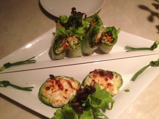 The Corner Restaurant : spring rolls and stuffed avocado