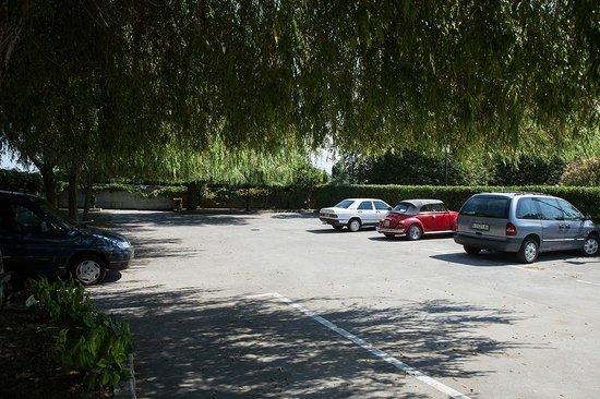 Hotel Antoyana: Parking