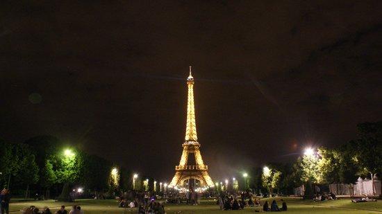 Observatoire Panoramique de la Tour Montparnasse: Free from Parc du Champ de Mars