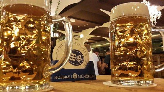 Hofbrau Munchen Berlin: Hofbrau Munchen fabulous beer fabulous place!