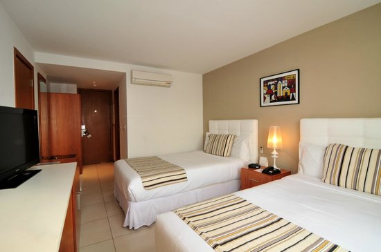 Real Colonia Hotel & Suites : Habitación Deluxe Twin