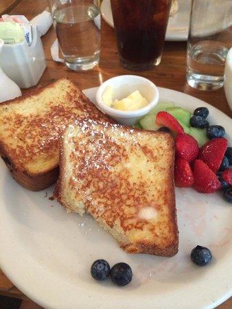Penelope: French toast with fresh fruits.. Yummy..