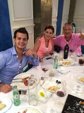 Restaurante Nemesis: Excelentes amigos!!