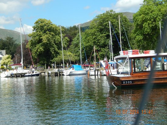Bowness-on-Windermere, UK: views from cruise liner on lake windermere