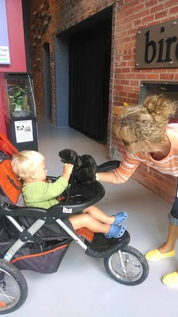 Delmarva Discovery Center: Fun with beaver puppet!