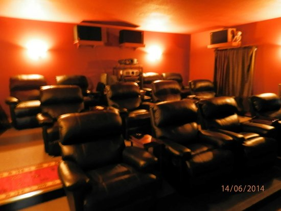 Observatory Bed & Breakfast : IMAX - Kino