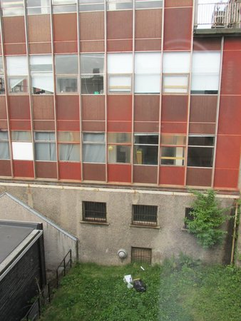 Apex City of Edinburgh Hotel: Worst view ever !!