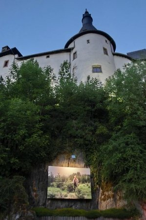Chateau de Clervaux : Schloß abends/Wanderausstellung