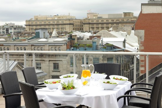 Le Saint-Sulpice: Rooftop private terrace Executive - Signature Suite