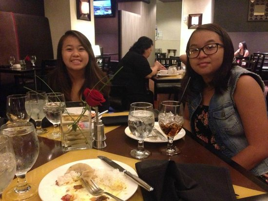Sheraton Overland Park Hotel at the Convention Center : Enjoying awesome dinner with my daughters in the restaurant/lobby