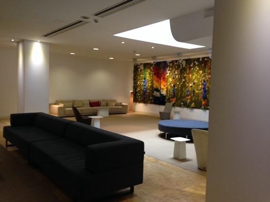 Barceló Bilbao Nervión: lobby area