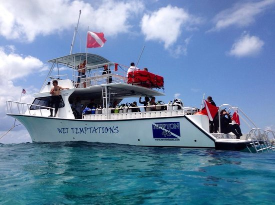 Scuba Works: Our Boat