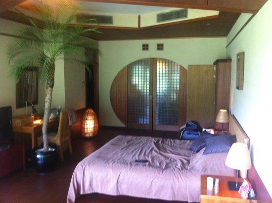 Hakone Ginyu: western style room