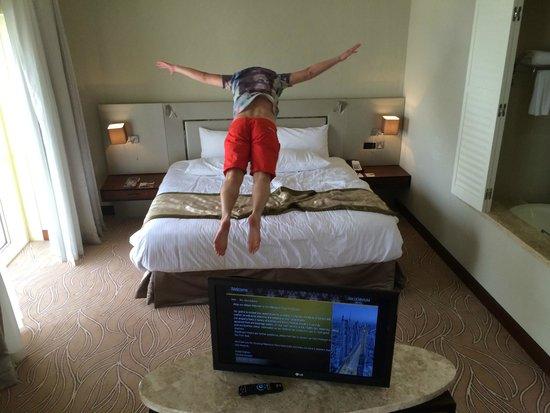 Millennium Plaza Hotel Dubai : Самая удобная кровать в мире