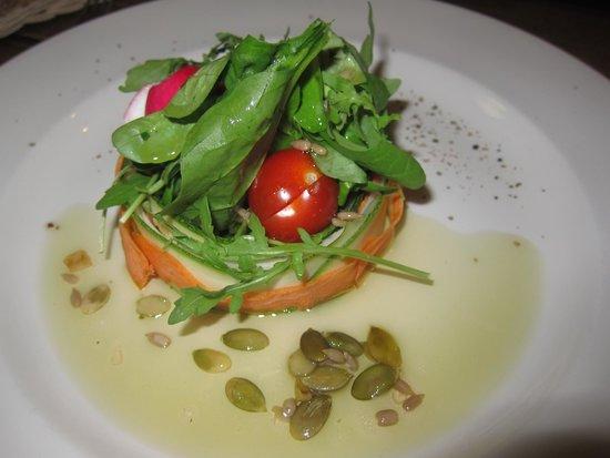 Senoji Trobele: seasonal salad